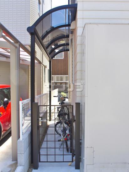 ... 邸 エクステリア 自転車の屋根