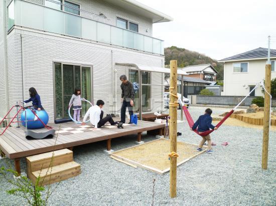 子供 遊べる 施工例「子供とストレッチトレーニングの庭工事」|兵庫県姫路市